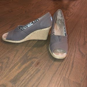 Toms Wedges Size 7